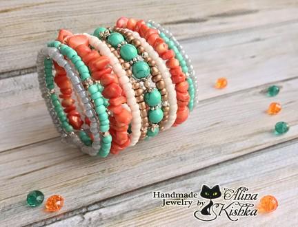Широкий яркий браслет с натуральным кораллом и бирюзой. Зеленый, оранжевый. Мелитополь. фото 1