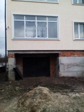 Будинок перекритий та утеплений фасад будинку пінопластом,короєд. Стіни поштукат. Житомир, Житомирская область. фото 5