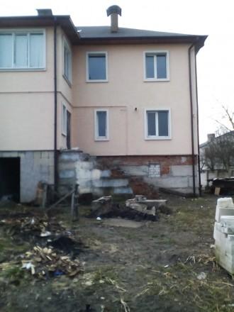 Будинок перекритий та утеплений фасад будинку пінопластом,короєд. Стіни поштукат. Житомир, Житомирская область. фото 7