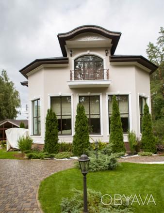 Роскошный трехэтажный дом в Броварах площадью 363 м2 и летний домик 60м2, распол. Сады, Бровари, Київська область. фото 1