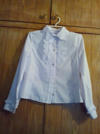 Блузка белого цвета с длинным рукавом на девочку. Київ. фото 1