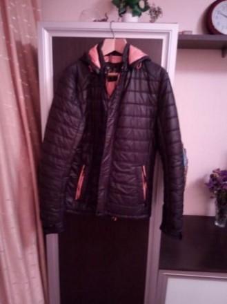 Куртка подростковая демисизонная для мальчика. Цвет черный, подкладка оранжевая,. Киев, Киевская область. фото 3