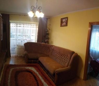 Продається 3-кімнатна квартира в районі ринку з гарним ремонтом: - вікна метало. Червоноград, Львівська область. фото 2