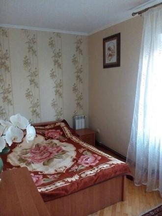 Продається 3-кімнатна квартира в районі ринку з гарним ремонтом: - вікна метало. Червоноград, Львівська область. фото 3