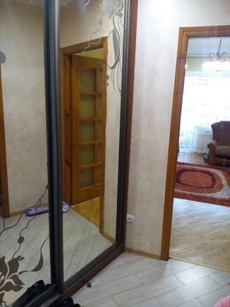 Продається 3-кімнатна квартира в районі ринку з гарним ремонтом: - вікна метало. Червоноград, Львівська область. фото 7