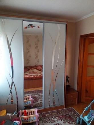 Продається 3-кімнатна квартира в районі ринку з гарним ремонтом: - вікна метало. Червоноград, Львівська область. фото 4