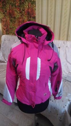 Курточка детская розовая типа лыжная. Ирпень. фото 1