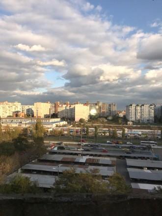 Квартира полностью отшпатлевана, в большой комнате панорамное застекление металл. Поселок Котовского, Одесса, Одесская область. фото 2