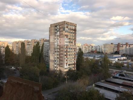 Квартира полностью отшпатлевана, в большой комнате панорамное застекление металл. Поселок Котовского, Одесса, Одесская область. фото 5