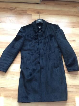 Продам мужское пальто демисезонное . Размер М. Одевалось несколько раз. Состояни. Обухов, Киевская область. фото 2