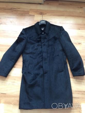 Продам мужское пальто демисезонное . Размер М. Одевалось несколько раз. Состояни. Обухов, Киевская область. фото 1
