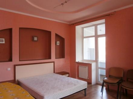 Продам в центре города 3 комнатную с автономным отоплением. Житомир. фото 1
