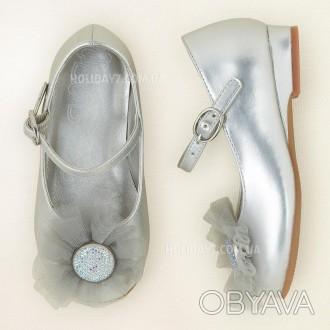 В наличии очень красывые белые и серебристые туфельки для девочки от Children's . Луцк, Волынская область. фото 1