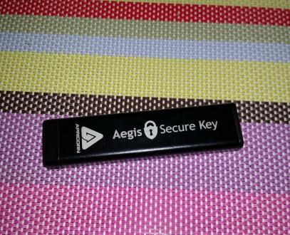 Защищённый накопитель — Aegis Secure Key ASK-256-8Gb  Особенности:  - пыле- и. Киев, Киевская область. фото 4