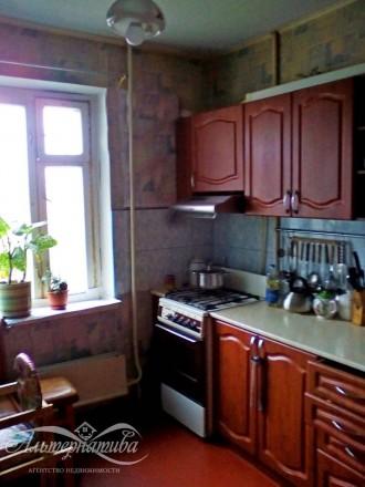 Четырехкомнатная квартира в районе Мегацентра. Чернигов. фото 1