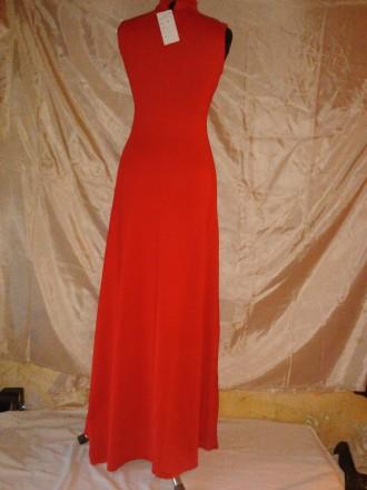 Очень красивое длинное платье красного цвета с черным объемным бархатным рисунко. Одесса, Одесская область. фото 3