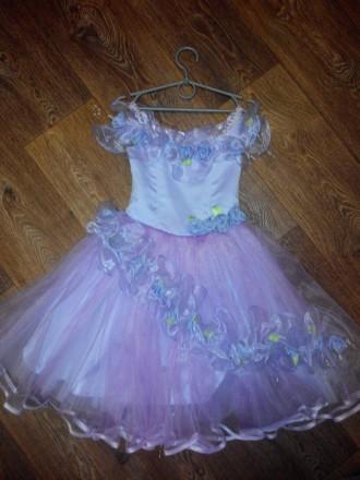 Продам красивое нарядное платье для девочки. Лозовая. фото 1