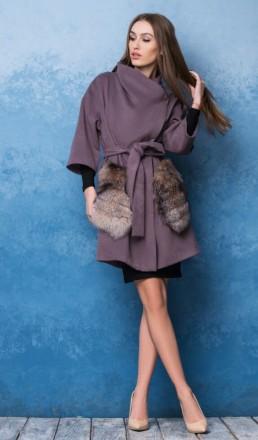 Пальто. Цвет фиолетовый. Ткань кашемир. Мех натуральный: чернобурка. Размер S, M. Киев. фото 1
