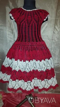 Летнее платье для девочки 7-8 лет красного цвета с белыми вставками, с заниженно. Одесса, Одесская область. фото 1