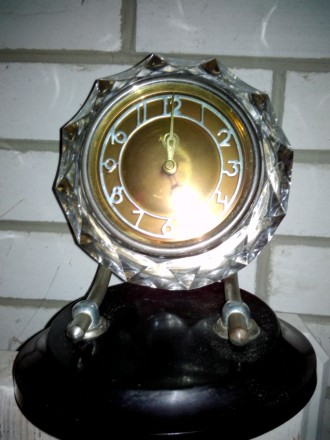 Оригинальные часы в хрустальном корпусе. Київ. фото 1