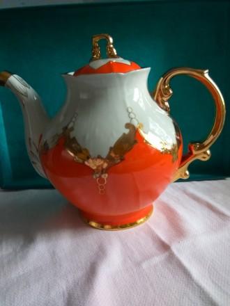 Фарфоровый чайник и молочник Бутон. Херсон. фото 1