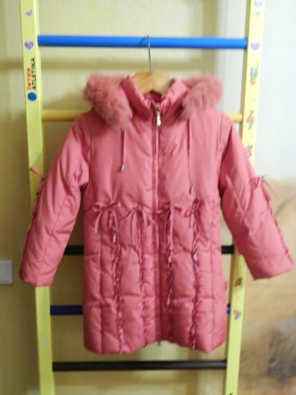 Коралловое пальто для девочки Kiko в хорошем состоянии, на рост 122 см, капюшон . Чернигов, Черниговская область. фото 2