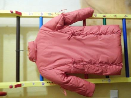 Коралловое пальто для девочки Kiko в хорошем состоянии, на рост 122 см, капюшон . Чернигов, Черниговская область. фото 5