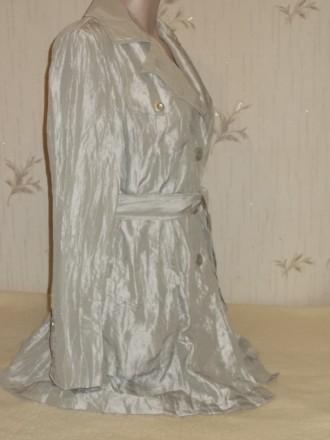 Продам лёгкий летний стильный плащик из жатой ткани размер 46 в идеальном состоя. Чернигов, Черниговская область. фото 4