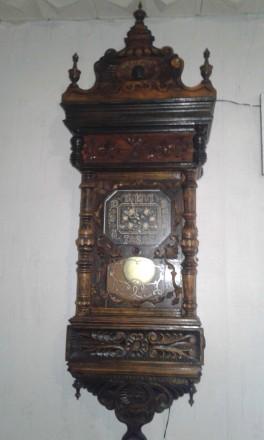 Настенные часы в деревянном корпусе старинные. Чернигов. фото 1