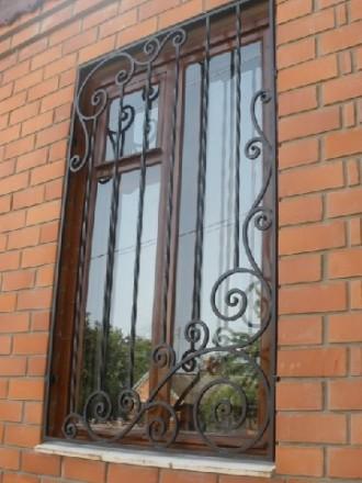Сварные металлические решетки на окнах и дверях – это не только  возможность  . Северодонецк, Луганская область. фото 8