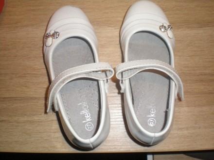 Продам туфли лаковые белые 27 размер, 16,5 см.. Киев. фото 1