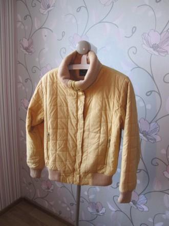 Женская Курточка Осень - Весна размер 44-46 с Капюшоном. Киев. фото 1