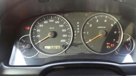 Машина стоит внимания.. Житомир, Житомирская область. фото 4