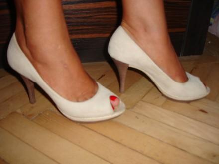 Туфли/туфлі 37 р. Geox оригінал, замшеві, світлі, на каблуку. Львов. фото 1