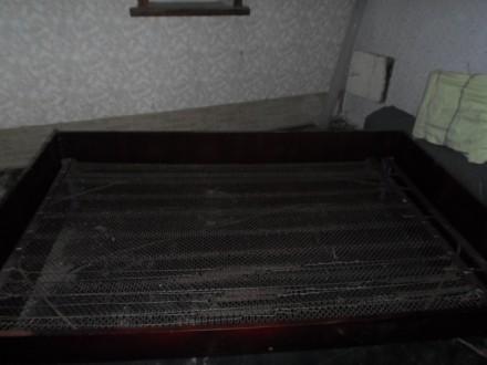 Полуторная кровать панцирная сетка ліжко двоспальне дерев`яні бильця. Сумы. фото 1