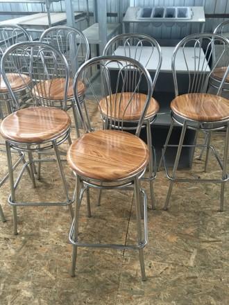 Стул барный  б/у сидения из  верзалита коричневого цвета каркас металлический. Киев. фото 1