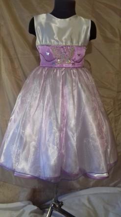 Нарядное платье на девочку 116-112 рост, пошитое из белого атласа и органзы нежн. Одесса, Одесская область. фото 2