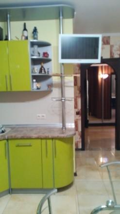 Квартира с ремонтом. Сдается впервые .Встроенная кухня.холодильник.бойлер.стир. Поселок Котовского, Одесса, Одесская область. фото 3
