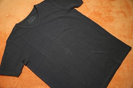 Продам однотонную футболку на мальчика 14-15 лет (р.158-164). Германия, новая, в. Днепр, Днепропетровская область. фото 2