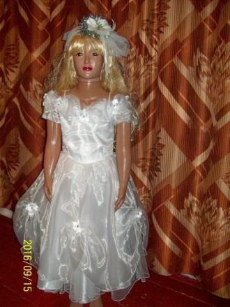 Нарядное  платье для девочки. Черновцы. фото 1
