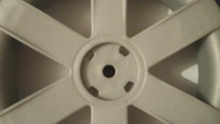 Новое колесо,так же можете к колесу приобрести заглушку черную,цена 20 грн. Нар. Киев, Киевская область. фото 4