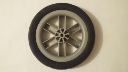 Новое колесо,так же можете к колесу приобрести заглушку черную,цена 20 грн. Нар. Киев, Киевская область. фото 3