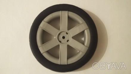 Новое колесо,так же можете к колесу приобрести заглушку черную,цена 20 грн. Нар. Киев, Киевская область. фото 1