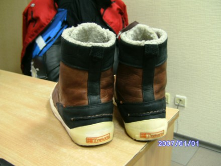 7cc6a5d1a ботинки \оригинал\ в хорошем состоянии мягкие и удобные из последних  моделей р. Киев
