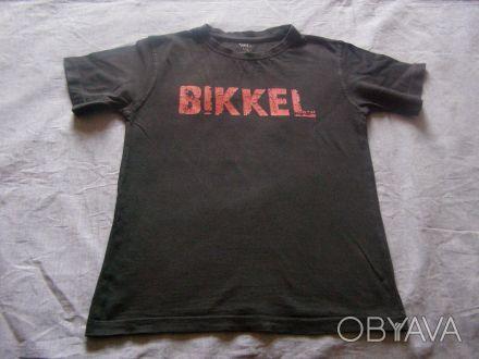 Стильная детская футболка. длина-47 см длина рукава-13 см ширина в плечах-31 . Никополь, Днепропетровская область. фото 1