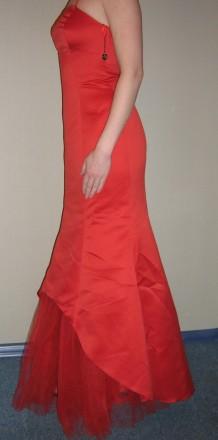 Продам вечернее платье-рыбка, для дружки или креативной невесты, верх - плотный . Запорожье, Запорожская область. фото 3