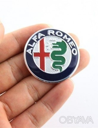 Alfa Romeo логотип на руль
