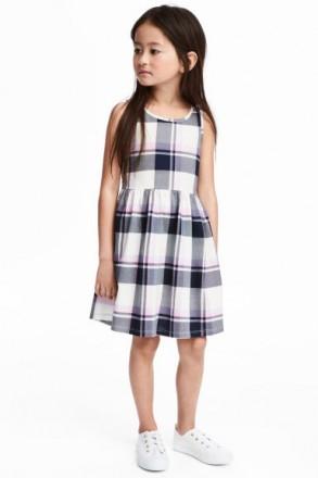 Платье в клеточку девочке 6-8 лет h&m. Сумы. фото 1