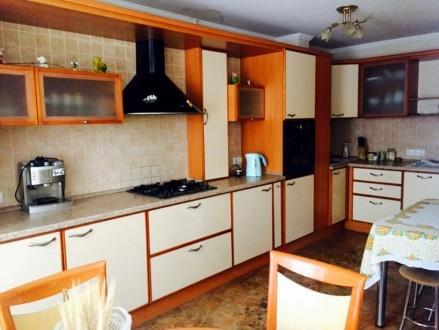 Шикарная четырех комнатная квартира с автономным отоплением в элитном обкомовско. Чернигов. фото 1