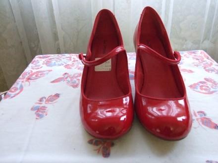 Пять пар женских туфель. В отличном состоянии.Один раз одевались. Красные и борд. Сумы, Сумская область. фото 3
